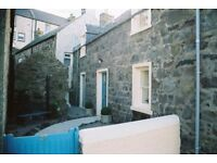 Detached Cottage with Sea Views £470 per 4 weeks