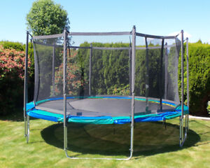 14 foot trampoline with net for sale !!