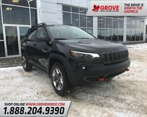 2019 Jeep Cherokee Trailhawk| Sunroof| Low KM| Remote Start