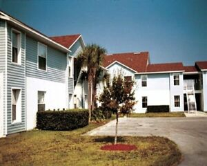 DISNEY VACATION ACCOMODATION TOWN HOME - SLEEPS 6