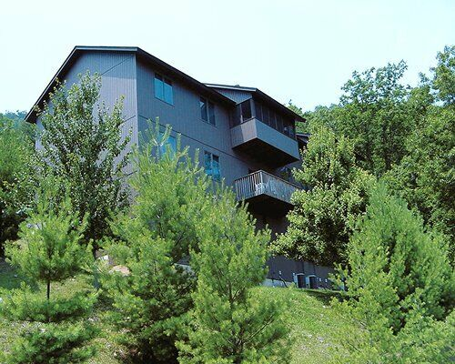 THE SUMMIT AT MASSANUTTEN 2 BEDROOM ANNUAL TIMESHARE FOR SALE - $1.00