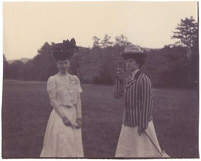 Two women to the fashion 1900 Hats Vintagecitrate
