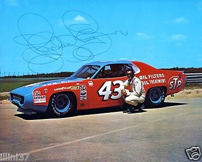 RICHARD PETTY SIGNED AUTOGRAPHED NASCAR AUTO RACING 8X10 PHOTO RP