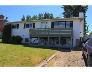 Beautiful lakefront home in Fraser Lake