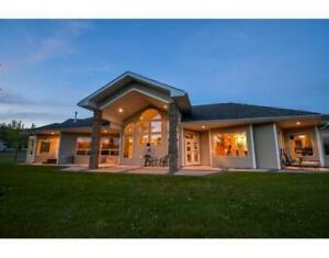561 S VIEWMOUNT ROAD Smithers, British Columbia
