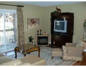 5 APPL IN SUITE, FAIRVIEW MALL LOCATION, BRIGHT AND CARED FOR
