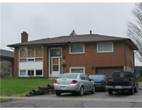AVALIABLE Jan 1ST close to UW and Laurier Group of 5 or more