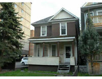 Well maintained 2 storey 5 bdrms house in the core of downtown!