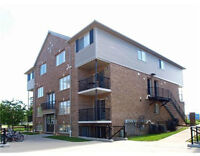 Immaculate 2 storey 3 bed/2 bath condo in Stanley Park!