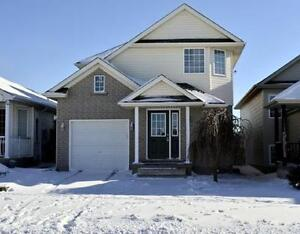 ****AUG 1**GORGEOUS FAMILY HOME FOR RENT!!! LAURENTIAN HILLS****