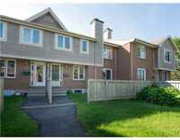 Spacious two storey unit w/ 2 bedrooms & 2 baths in Orleans!