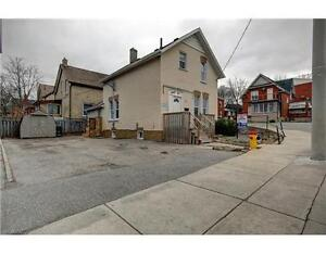 Immediately 3Beds House Residantial +Commercial Kitchener DT