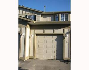 Large Townhouse In Airdrie