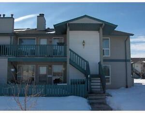 MILLWOODS 3 BEDROOM COACH STYLE TOWNHOUSE