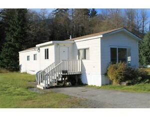 Fully Furnished Mobile in Kitimat home to be moved.