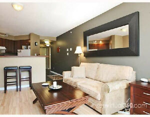 Fully Furnished 2 bed 2 bath condo in the heart of Yaletown