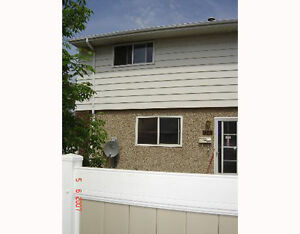 3 Bedroom Townhouse with Finished Basement South Side