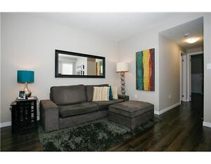 ATTENTION INVESTORS - IMPECCABLE 1 BEDROOM IN UNIVERSITY VILLAGE Kitchener / Waterloo Kitchener Area image 3
