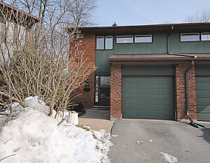 Upgraded 3 Bedroom End Unit Town Home in Beaverbrook