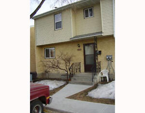 GREAT 3BR NE EDMONTON TOWNHOUSE FOR RENT - NOW $300 OFF/MONTH!