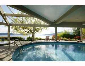 4BR 3956 sf Beautiful Waterfront House with Howe Sound Views