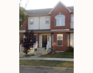 Executive 3 bed/2 wash duplex - your new home in Terwillegar!