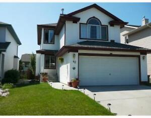 Two Storey house for rent in Bridlewood SW