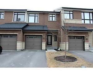 SEPT 1**STUNNING TOWNHOME/3 BED/2.5 BATHS/WOW!!