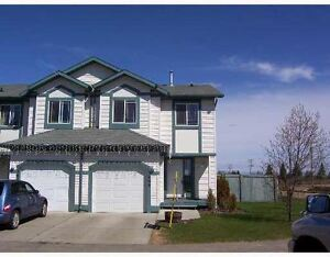 Bright and airy! 2 Bedroom Townhouse in Stony Plain!