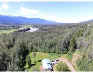 3135 MOUNTAIN ASH ROAD McBride, British Columbia