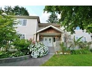 ► ►Open house weekend--- 5 bedrm 3 bathrm -- a 10 year old house