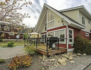 Okanagan Lake Cottage : Pet Friendly, $109/night Nov 1 - Dec. 15