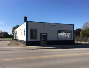 Building for Lease in Embro
