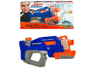2 Guns  a eau Super soaker et Steady stream 2