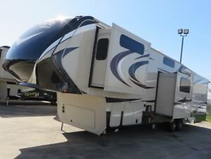 Grand Design RV Solitude 377MB 41'