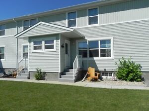 3 bedroom townhouse condo! Listed with Help-U-Sell