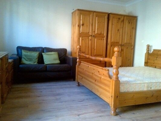 NEW STUDIO TO RENT IN SEVEN KINGS. FULLY FURNISHED. SELF CONTAINED. ALL BILLS INCLUDED.