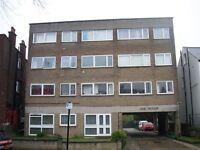 2 bedroom flat in Trinity Road, Wood Green
