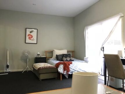 Single room $350.00   A very good place to relex in this summer,