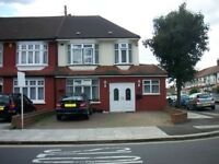 4 bedroom house in Hazelwood Lane, Palmers Green