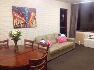 Room to rent for girl Hamilton Brisbane North East Preview