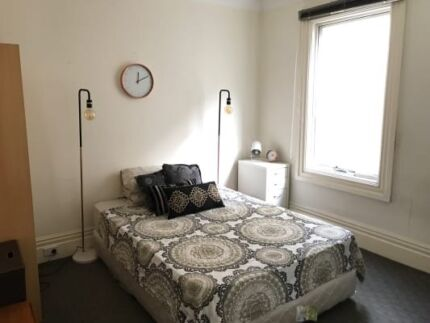 Kind size bedroom with private bathroom $450 per week or  Share t