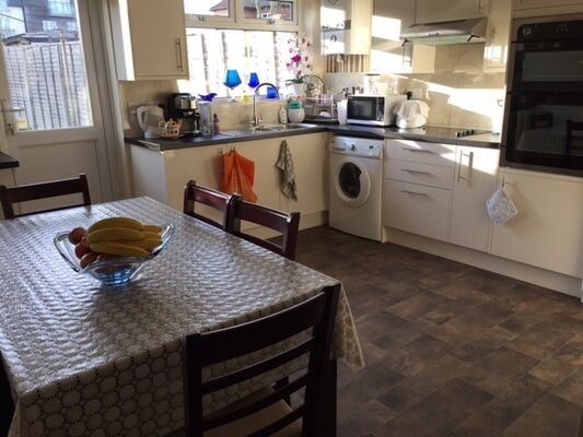 3 bedroom house in Temple Gardens, Winchmore Hill