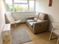 1 bedroom flat in Exeter Road, Southgate