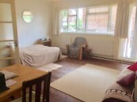 Studio flat in Hertford Court, Palmers Green