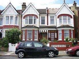 2 bedroom flat in Harlech Road, Southgate