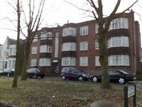 2 bedroom flat in Warwick Court, Bounds Green