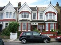 2 bedroom flat in Harlech Road, Southgate