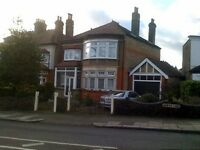 4 bedroom house in Powes Lane, Palmers Green
