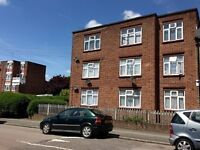 2 bedroom flat in Canning Court, Wood Green